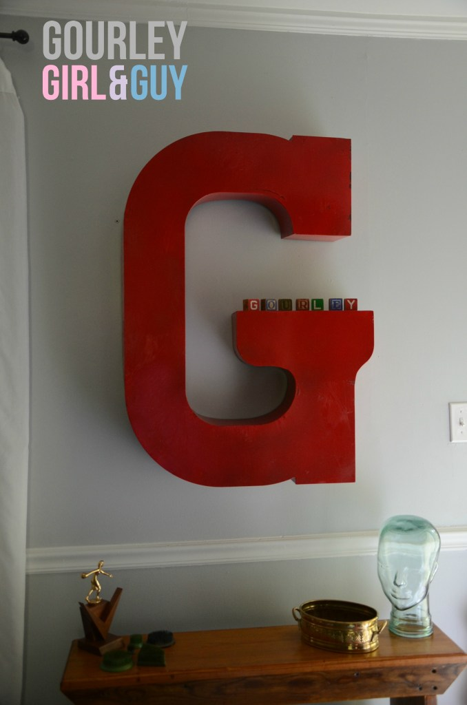 marquee-letter-G-with-entryway-bench