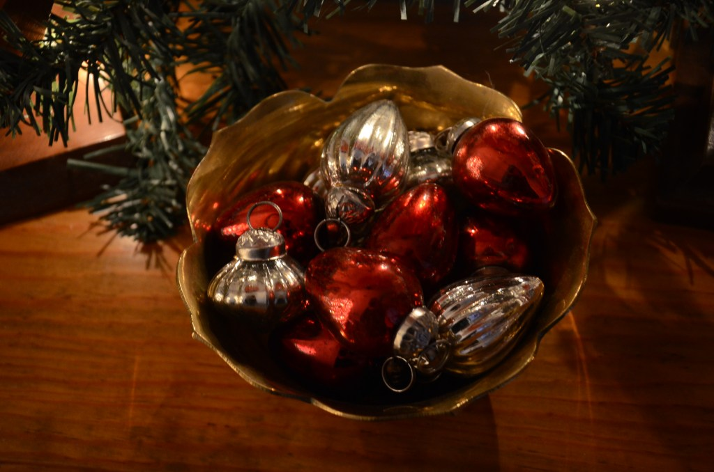 vintage-glass-ornaments-red-silver