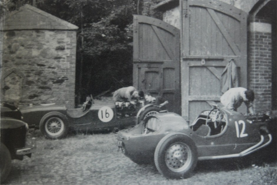 Don prepares the Riley (16) for the 1953 Leinster Trophy with Mike Hawthorn's chief mechanic Brit Pearce.