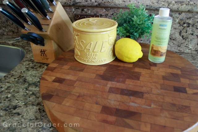 CUTTING BOARD Cleaning