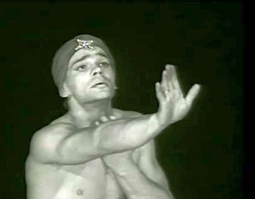 Vladimir Vasiliev Vladimir Vasiliev is extraordinary in a 1960s video of Goleizovskys ballet Leili & Madjnun