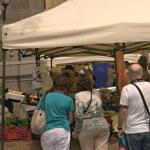 The Mercado de Artesanía y Cultura de Vegueta does fruit and veg too
