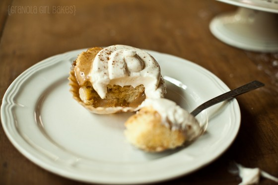 Cinnamon Roll Cupcakes :: Granola Girl bakes 21