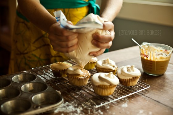 Cinnamon Roll Cupcakes :: Granola Girl bakes 22