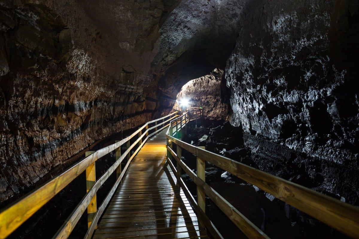 A World Beneath Our Feet: The Víðgelmir Lava Cave
