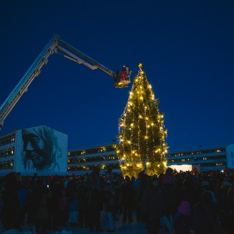 Nuuk Christmas Scene by Axel Sig