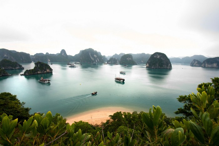 Halong Bay (photo by Lawrence Murray on Flickr)