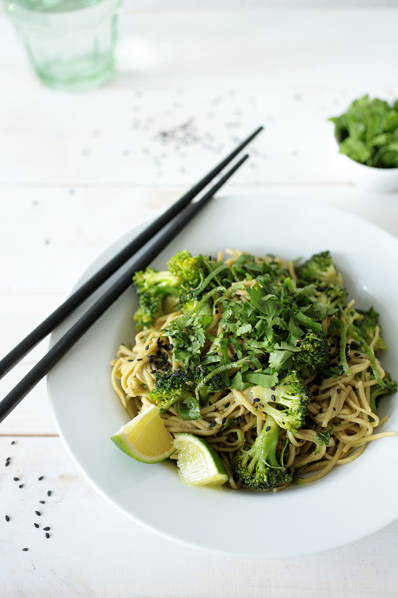 Ginger and Green Tea Soba Noodle Salad with Broccoli • Green Evi