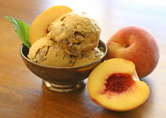 Peach Crumble Ice Cream
