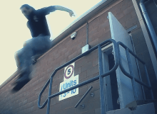 Vibram fivefinger parkour video