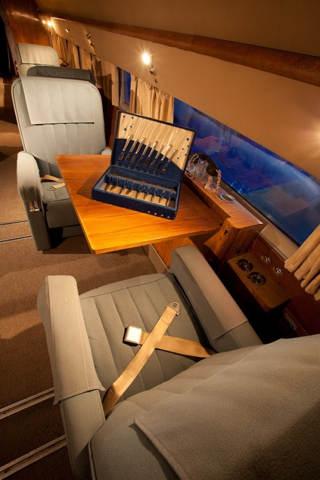 HFF DC-3 Seats - Credit to Jeremy Dwyer-Lindgren - 800