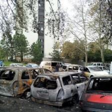 voitures brûlées rue Doderot