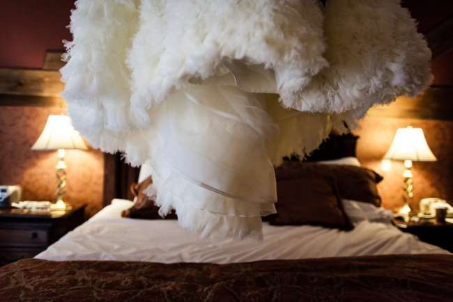 lace-factory-wedding-photos-deep-river-photography-heather-anthony-photos-greyhousestudios-featured-001