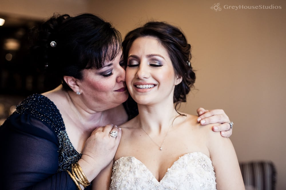 long island wedding photos bride getting ready with mom