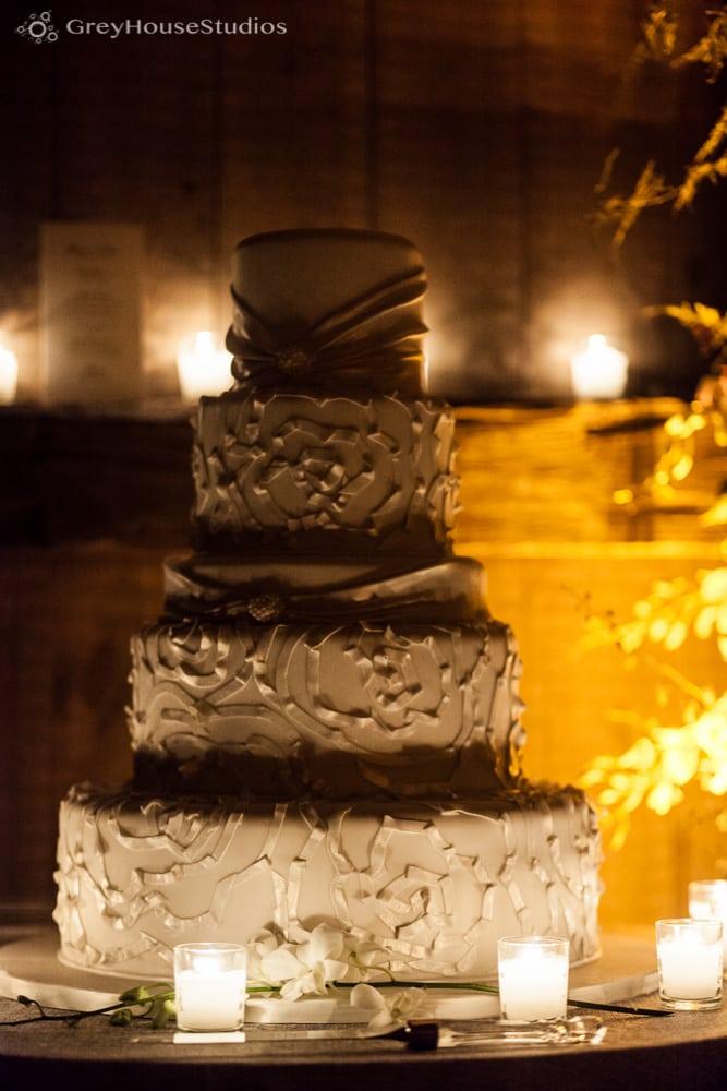 winvian wedding reception photos wedding cake detail