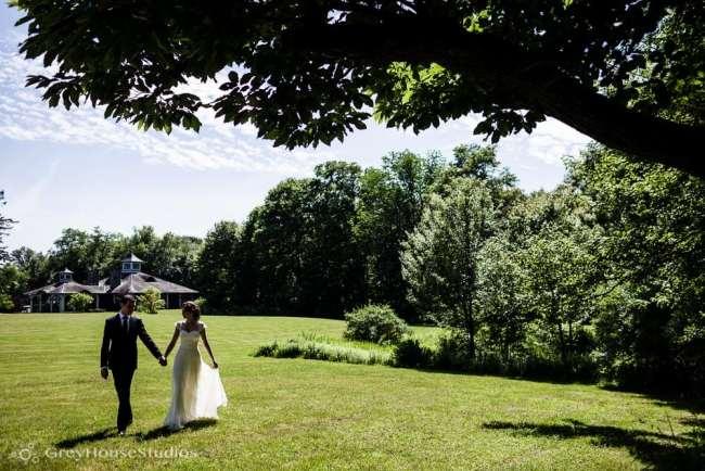 winvian-wedding-photos-morris-ct-litchfield-hills-photography-lauren-dan-greyhousestudios-023