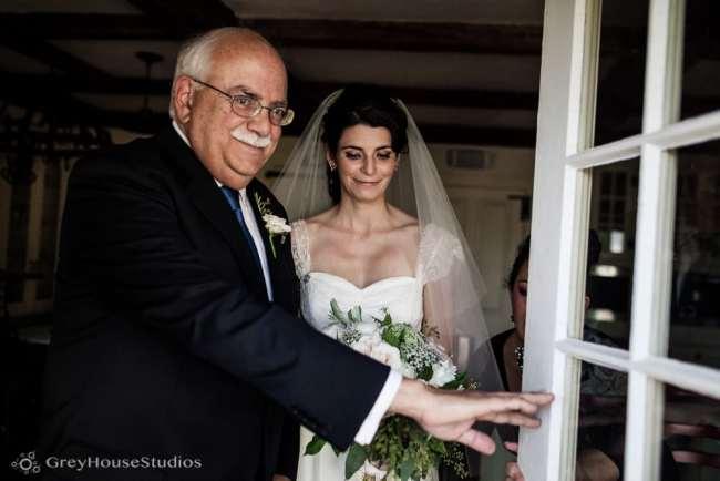 winvian-wedding-photos-morris-ct-litchfield-hills-photography-lauren-dan-greyhousestudios-043