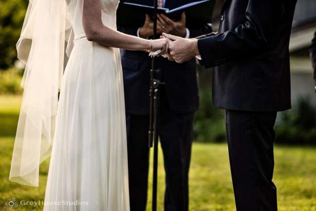 winvian-wedding-photos-morris-ct-litchfield-hills-photography-lauren-dan-greyhousestudios-049
