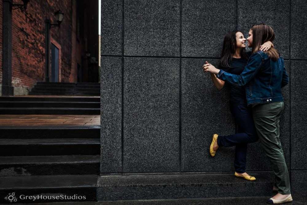 bar-restaurant-new-haven-engagement-photos-ct-photography-cristina-sarah-greyhousestudios-008