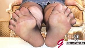 香り立つ足指と徐々にドSになる足責め 意外とイヤじゃない足裏くすぐりとパンスト足コキ/白咲なるみ