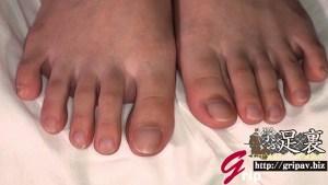 大人しめ清楚系美人OL美しい足裏と足コキ電気アンマ/月山なのは