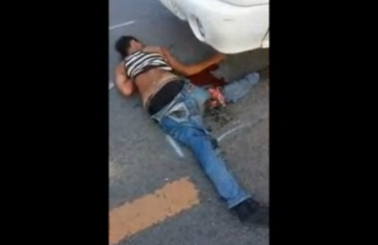 【グロ注意】悲惨すぎるバイクデート・・・女性二人男性一人死亡・・・ ※動画有り