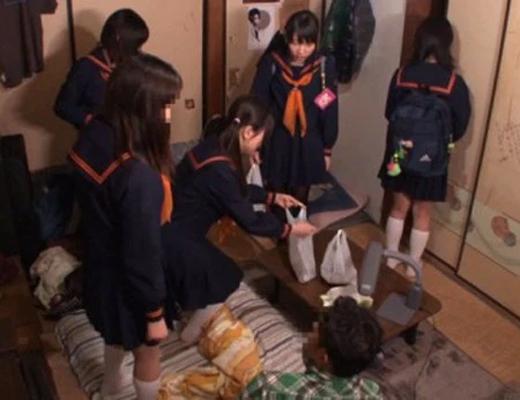 【乱交盗撮動画】マジか・・・いつの間にか自分の部屋がヤリ部屋に使われている件について・・・