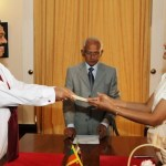 dr-shirani-bandaranayake-is-taking-oaths-as-the-acting-chief-justice-before-the-president2