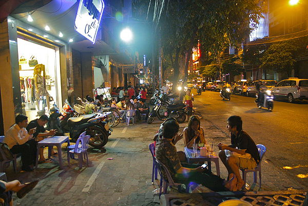 Things to know before you go to Vietnam, street food in Vietnam