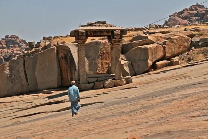 hampi travel guide, hampi ruins walk, things to do in hampi, hampi india