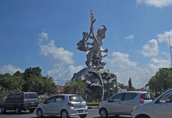 Bali junction statue