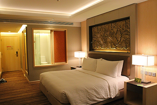 Executive Suites at Amari Hotel Bangkok, best hotels in bangkok, luxury hotels bangkok, top hotels bangkok, omni group hotels, amari hotel design