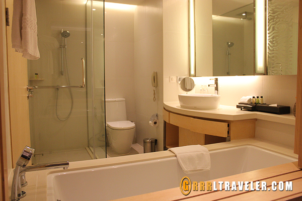 Amari Executive Suites Hotel bangkok, omni group hotels, amari hotel design