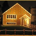 thumbs gingerbread houses 026