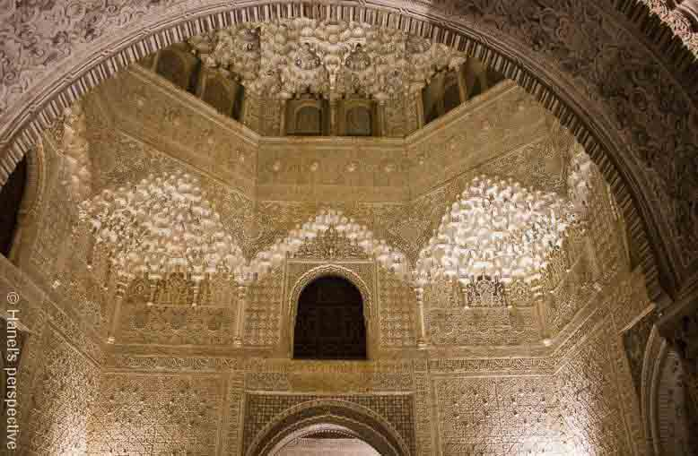 alhambra spain at night