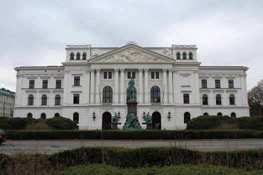 Letzter Stop, bevor es wieder nach Hause ging: das Rathaus Altona. / Foto: Franziska Gur