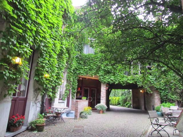 7 Brugge Ivy Hotel