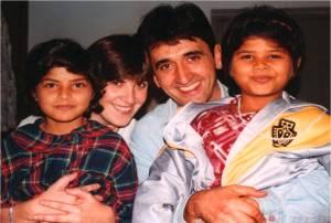 José Luis y Aurora con sus hijas