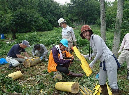 奈良農家の方との作業風景