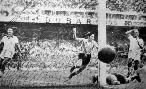 Alcides Ghiggia. 1950. AP.