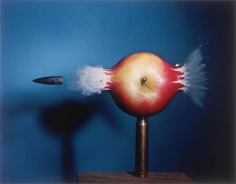 Harold Edgerton. Bullet Through Apple.