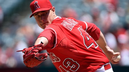 ANAHEIM, CA - MAY 10:  Garrett Richards #43 of the Los Angeles Angels of Anaheim pitches in the second inning against the Houston Astros at Angel Stadium of Anaheim on May 10, 2015 in Anaheim, California.  (Photo by Lisa Blumenfeld/Getty Images)