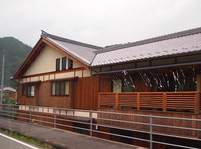 """鬼北町新築の燻瓦屋根の画像""""new-kihoku2-7"""""""