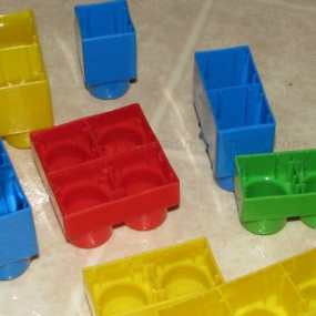 Make Ice cubes in legos!