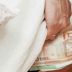 euro-pothen-esxes