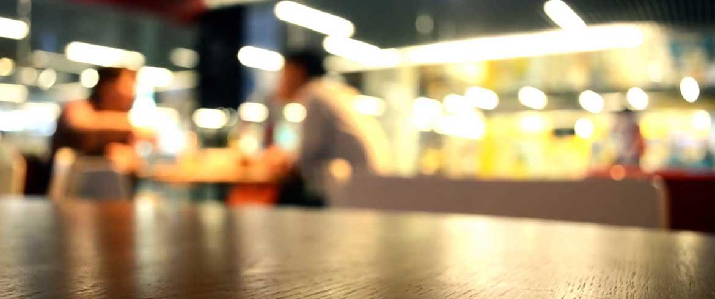 Η «επική» απάντηση ιδιοκτήτη εστιατορίου σε κακή κριτική πελάτισσας