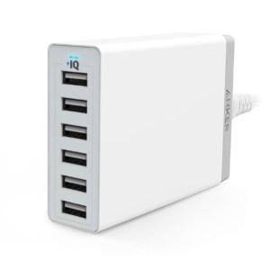 モバイルデバイスが増えてきたので、Ankerの6ポートUSB充電器を買ってみた。
