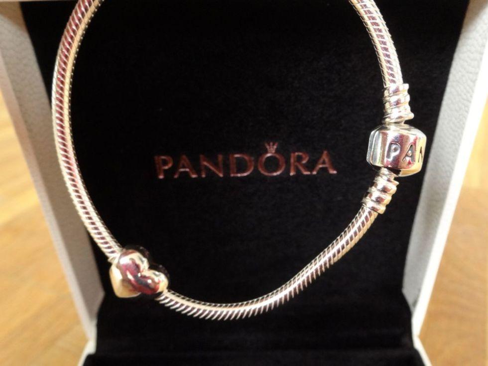 zu gewinnen gibt's dieses Pandora Silberarmband