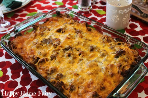 breakfast casserole for christmas morning - so easy and soooo delicious. the perfect tradition!!