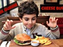 Kucuk-Gurme-Ozgur-Sef-Caddebostan-Cheeseburger-tadiyor